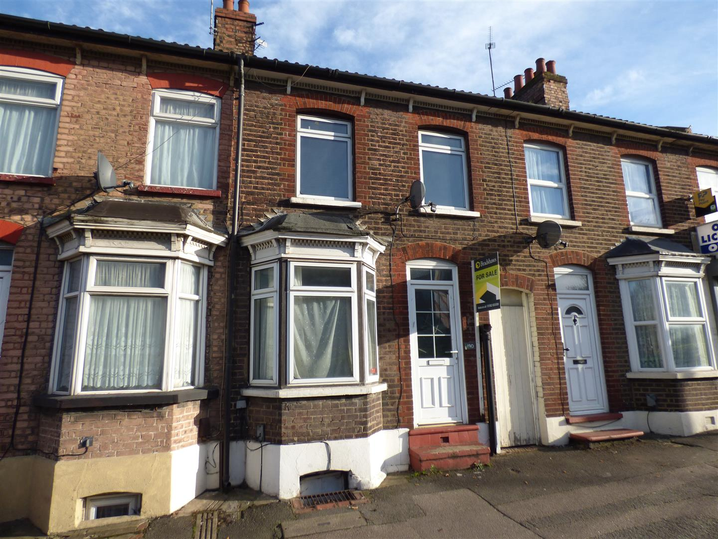 2 Bedrooms Terraced House for sale in High Street North, Dunstable